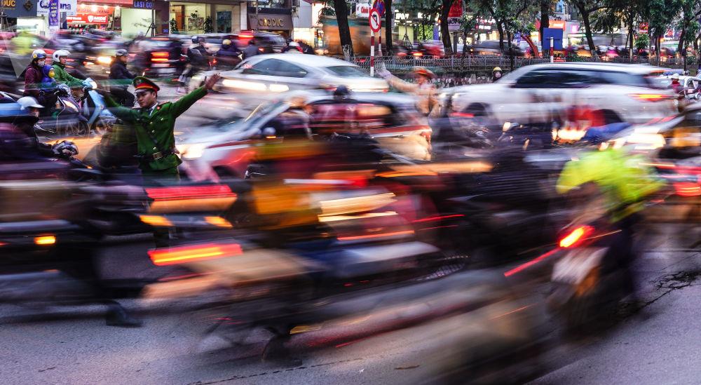 Silniční provoz v Hanoji, Vietnam