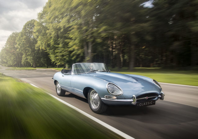 Elektromobil Jaguar E-Type Zero