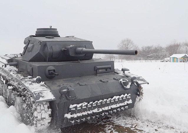 Bratři-řemeslníci vytvořili podobu německého Panzeru III