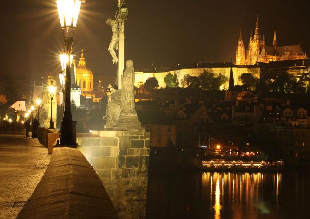 Podívejte se na okouzlující noční fotografie těch nejbezpečnějších měst světa