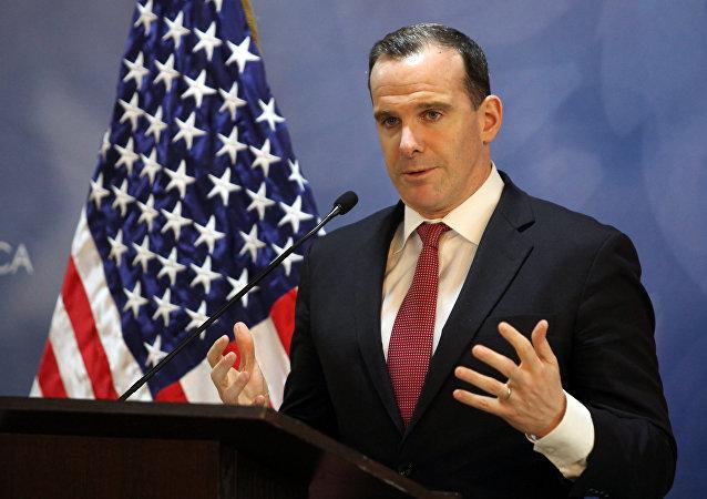 Bývalý americký velvyslanec pro mezinárodní koalici Brett McGurk