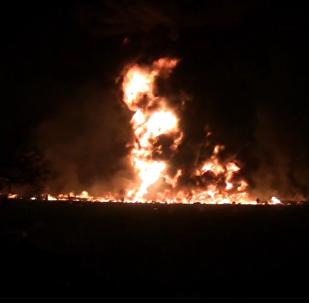 Hořící lidé a křik: Na internetu se objevilo video zachycující výbuch potrubí v Mexiku