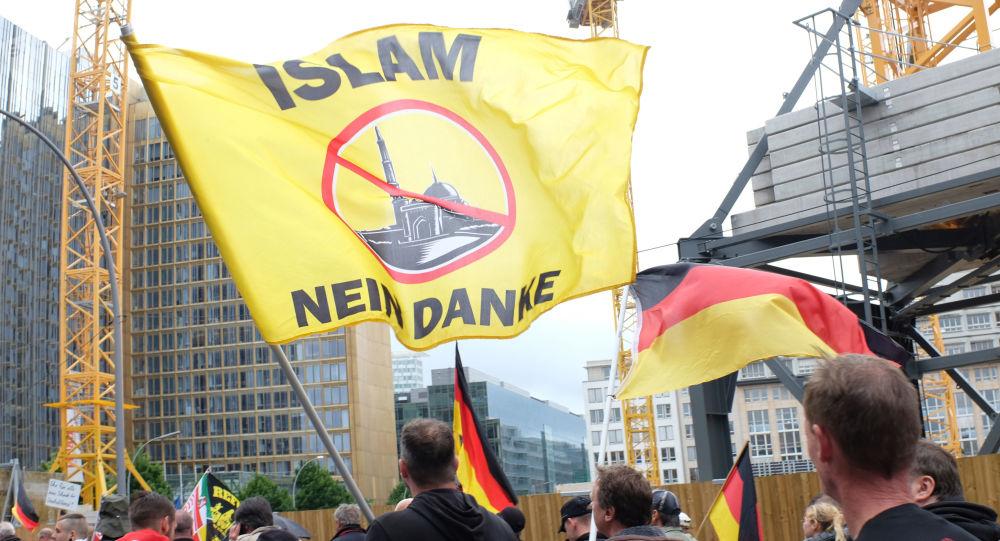 Demonstrace proti migrantům v Berlíně