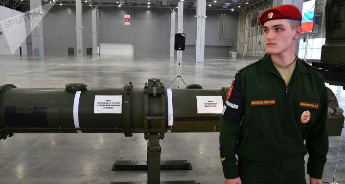 Raketa 9М729 ve výstavním pavilionu v Moskevské oblasti