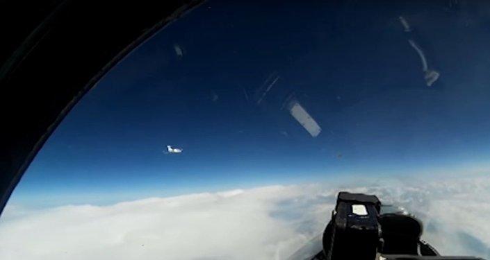 Ruský Su-27 zachytil průzkumný letoun nad Baltským mořem