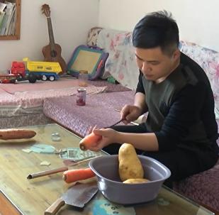 Zahrát si a sníst. Jak Číňan našel využití své zeleniny