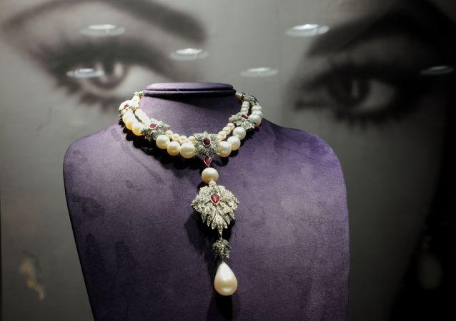 Tento náhrdelník Peregrina patřil Elizabeth Taylorové