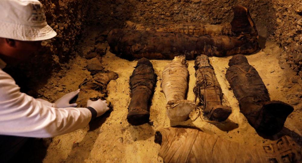 Pohřebiště v provincii Mínjá jižně od Káhiry