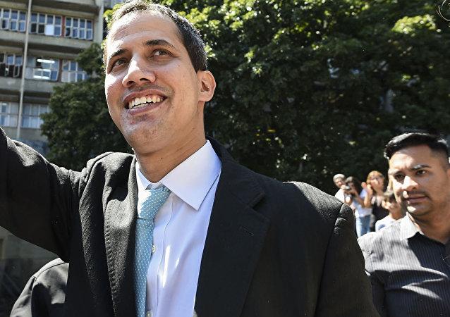 Předseda venezuelského opozičního parlamentu Juan Guaidó