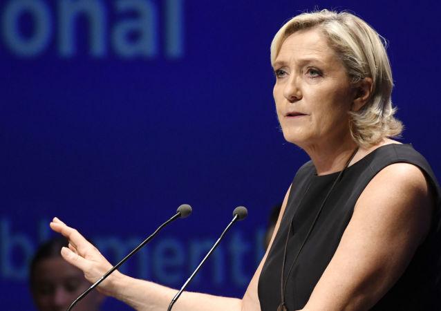 Předsedkyně francouzské pravicové strany Národní sdružení (bývalá Národní fronta) Marine Le Penová