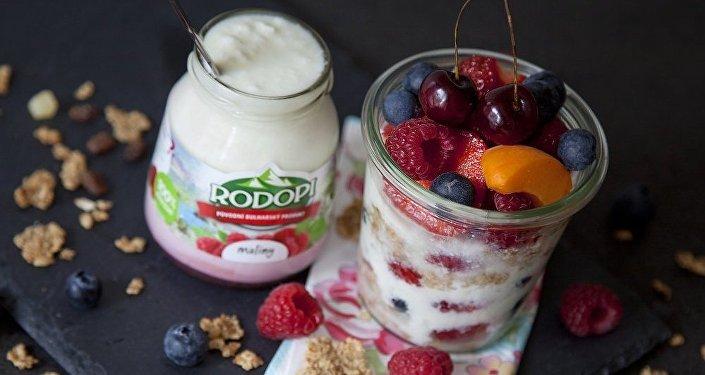 Bílý jogurt RODOPI, foto, web, Nikolay Apostolov