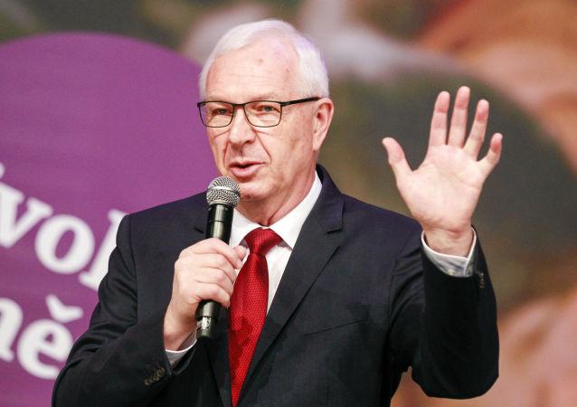 Senátor a bývalý kandidát na prezidenta ČR Jiří Drahoš