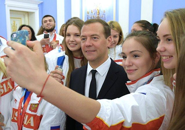 Selfie s premiérem Dmitrijem Medveděvem