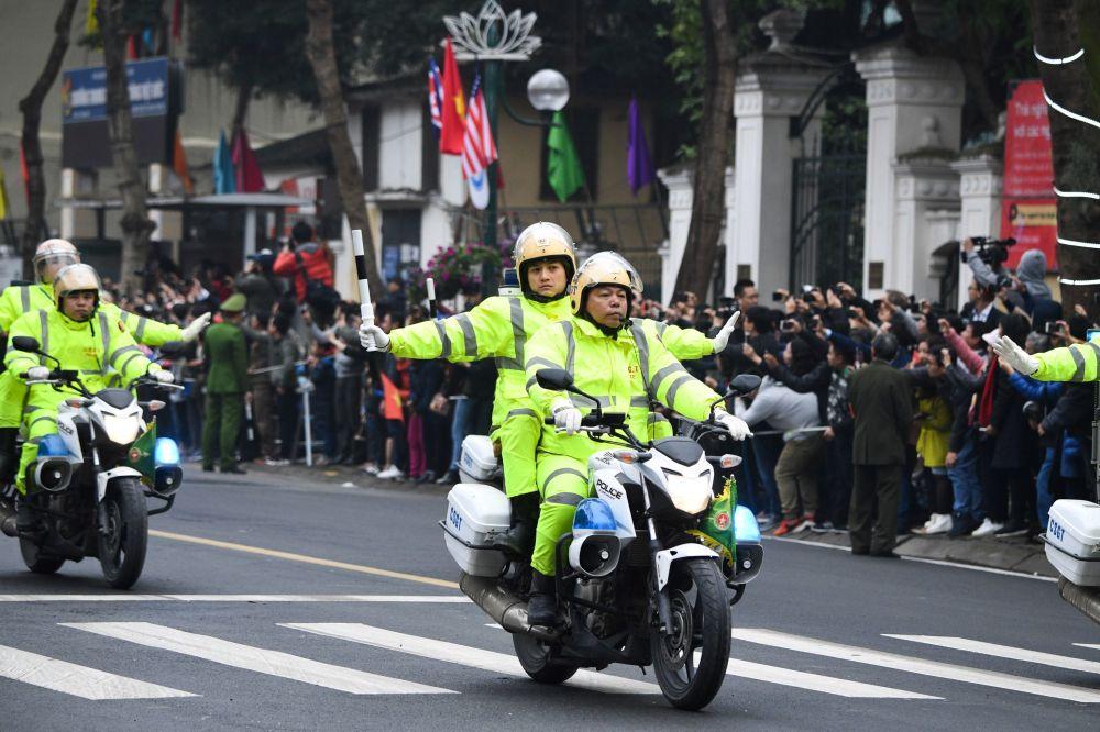 Vietnamská policie doprovázela vůdce KLDR Kim Čong-una v Hanoji