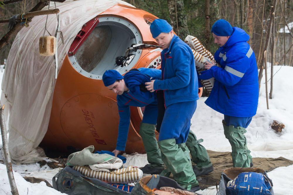 Anatoly Zabruškov, vedoucí katedry výcviku kosmonautů, uvedl, že odborníci střediska jsou spokojeni s výsledky výcviku