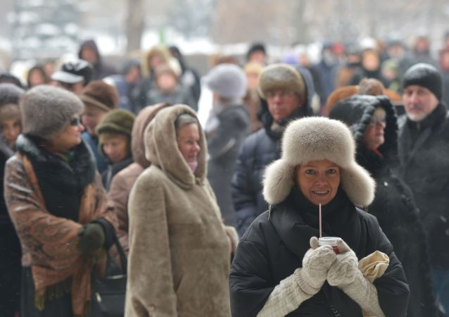 Fronta před Treťjakovskou galerií v Moskvě