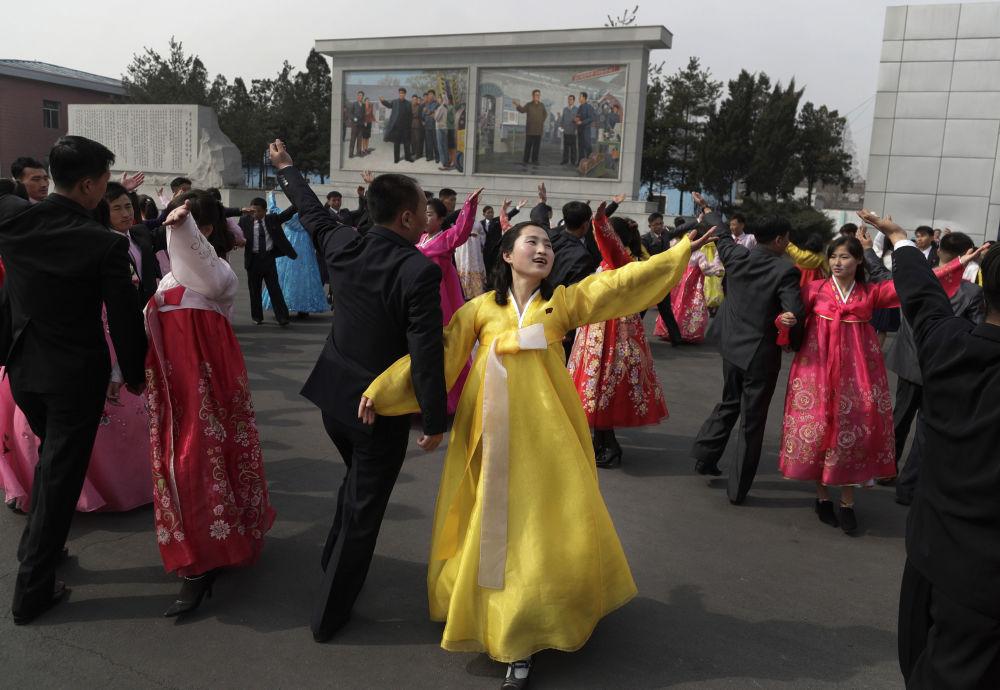 Národní oslavy při parlamentních volbách v Pchjongjangu