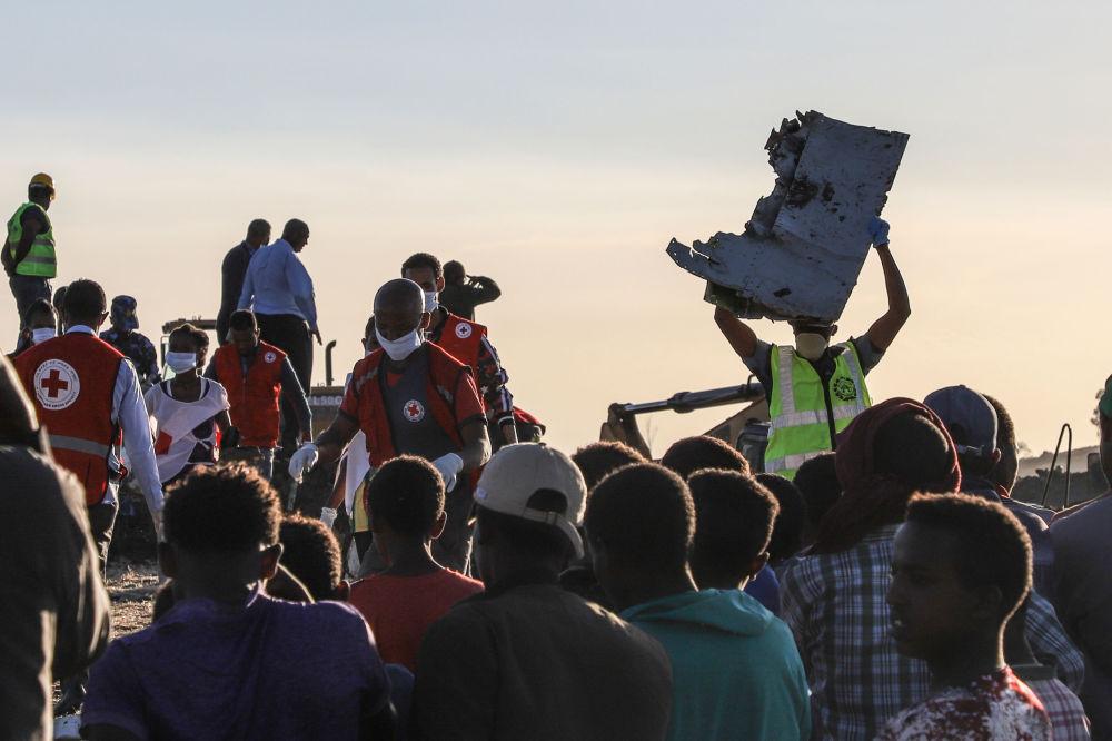 Na místě havárie Boeingu 737 MAX v Etiopii.