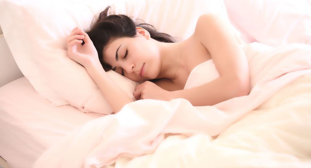 Vystavujete se nebezpečí, když spíte? Odborník promluvil o nejnebezpečnějších polohách pro spánek