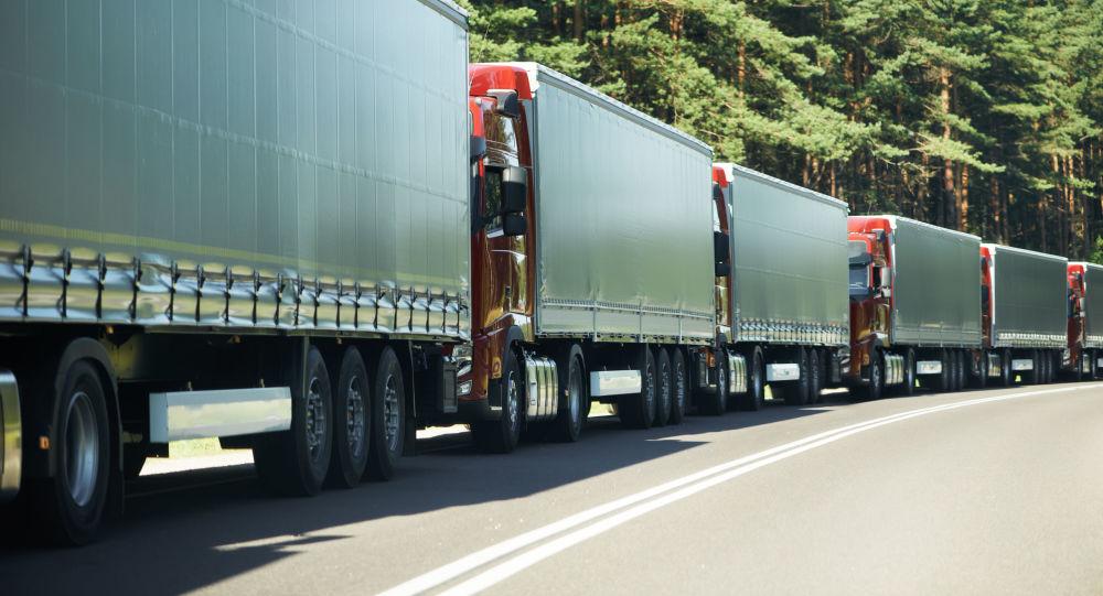 Na hranicích Ukrajiny se Slovenskem jsou kvůli rozbitému skeneru obrovské fronty kamionů