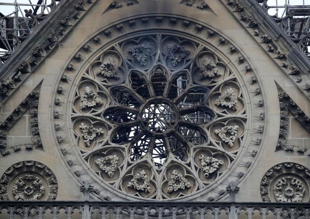 Po požáru Notre Dame