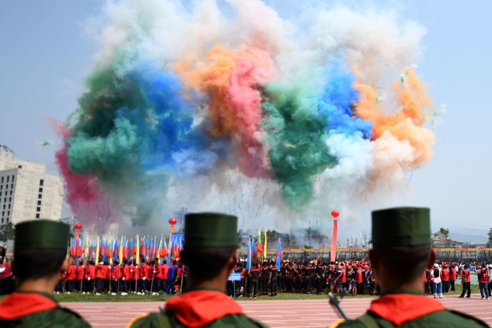 Vojenská přehlídka na počest 30. výročí příměří barmské armády ve státě Wa