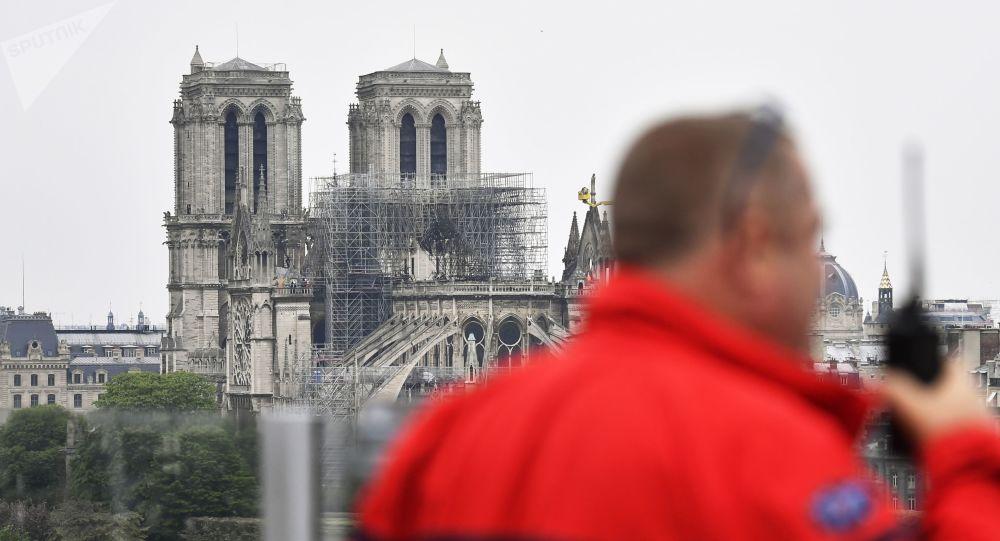 Pařížská katedrála Notre-Dame