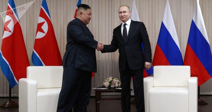 Schůzka ruského prezidenta Vladimira Putina a severokorejského lídra Kim Čong-una ve Vladivostoku