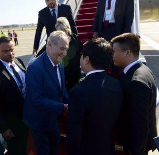 Prezident Miloš Zeman po příletu do Číny