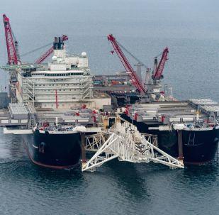 Loď Pioneering Spirit. Stavba Nord Stream 2