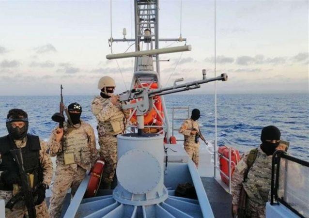Italský hlídkový člun darovaný Libyi