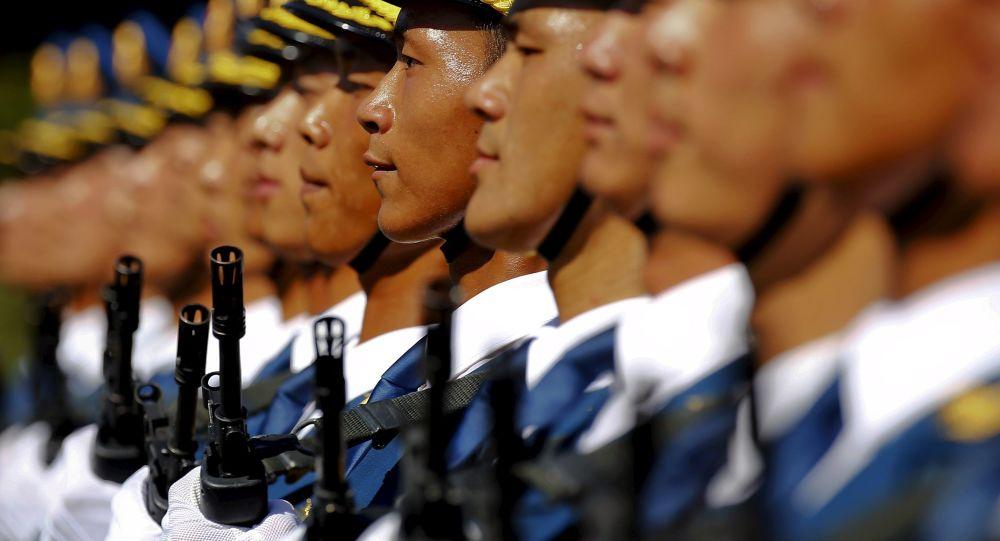 Čínská lidová osvobozenecká armáda během zkoušky vojenské přehlídky