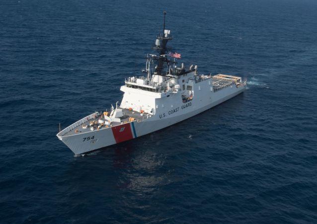 Americká hlídková loď USCG James