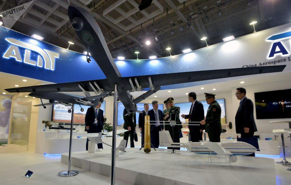 Hosté mezinárodní výstavy zbraní a vojenské techniky MILEX-2019 v Minsku