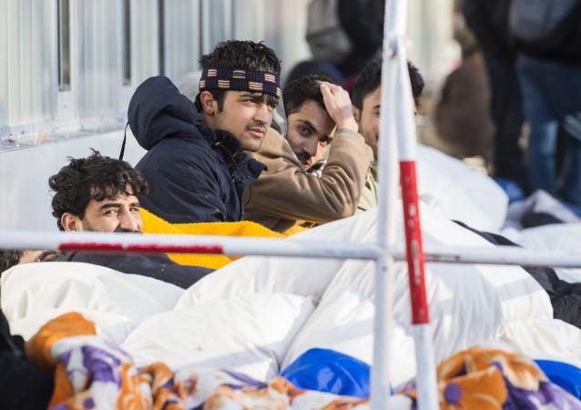 Padl rekord! Tak vysokou částku německá vláda za migranty a uprchlíky ještě neutratila.