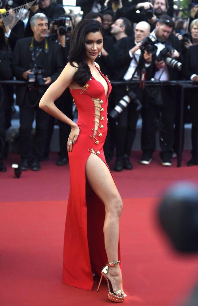 "Herečka Praya Lundberg během premiéry filmu Dextera Fletchera ""Rocketman"" v rámci 72. filmového festivalu v Cannes."