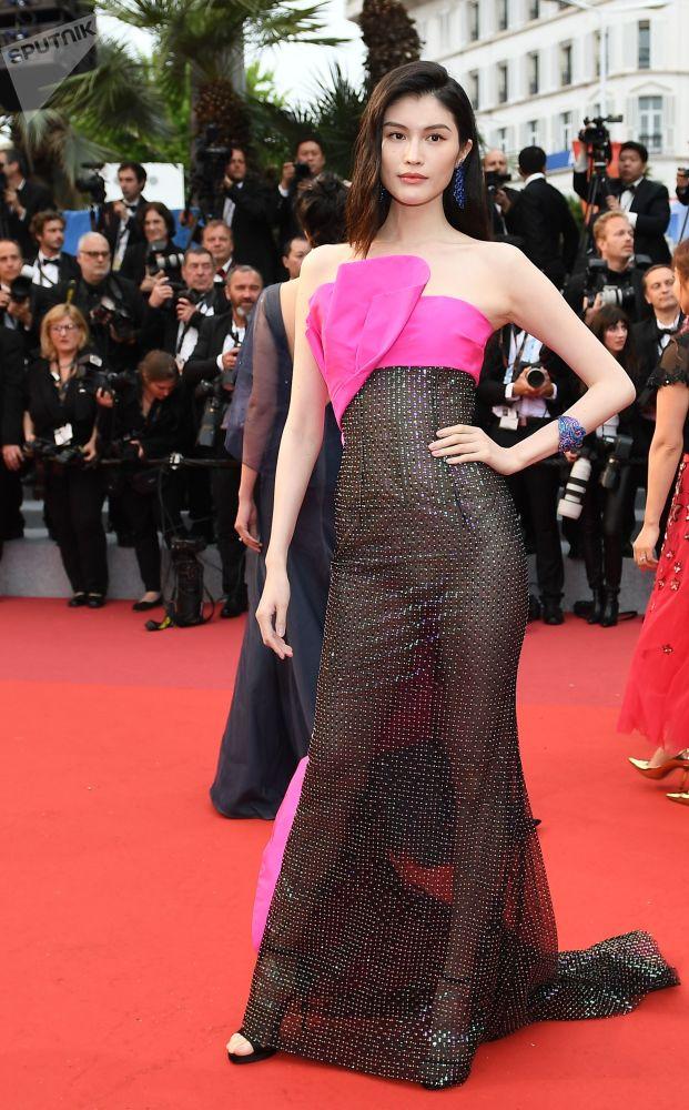 Čínská herečka Sui He během 72. filmového festivalu v Cannes.