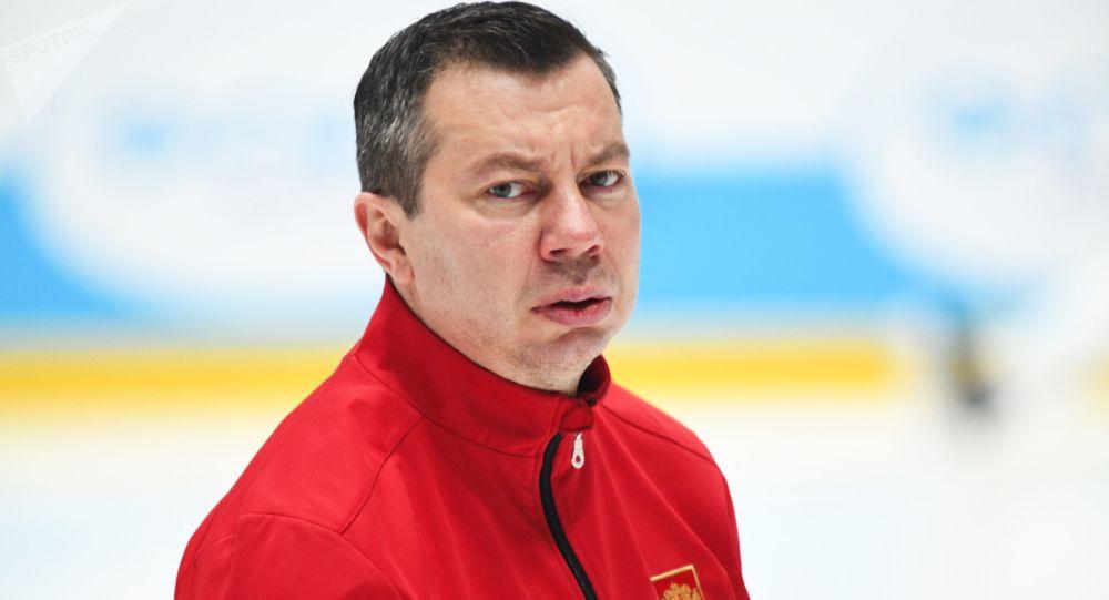 Hlavní trenér ruského hokejového mužstva Ilja Vorobjov